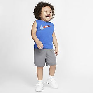 Nike Baby (12-24M) Top and Shorts Set