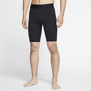 Nike Yoga Dri-FIT กางเกงขาสั้นผู้ชาย Infinalon