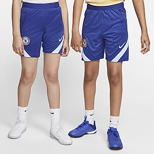 Chelsea F.C. Strike Older Kids' Football Shorts