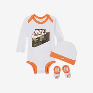Nike Conjunto de body, gorro y botines para niños pequeños