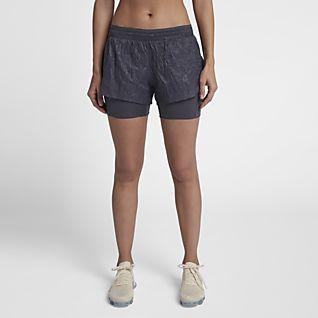 Nike Run Division กางเกงวิ่งขาสั้น 2-in-1 ผู้หญิง