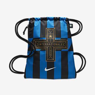 Inter Milan Stadium Gymnastikpose