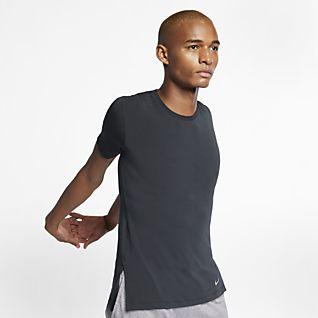 Nike Dri-FIT เสื้อเทรนนิ่งโยคะแขนสั้นผู้ชาย