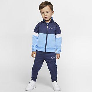 Boys Sale Tracksuits. Nike.com