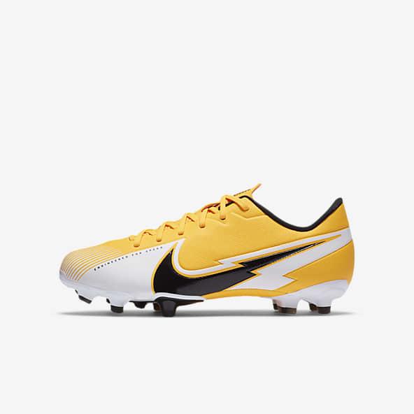 Orange Football Chaussures. Nike LU