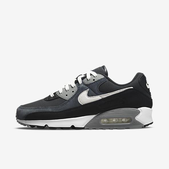 Hommes Noir Chaussures. Nike LU