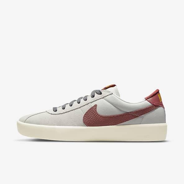 Femmes Bruin Chaussures. Nike LU