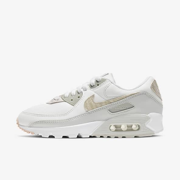 Women's Air Max 90 Shoes. Nike IN
