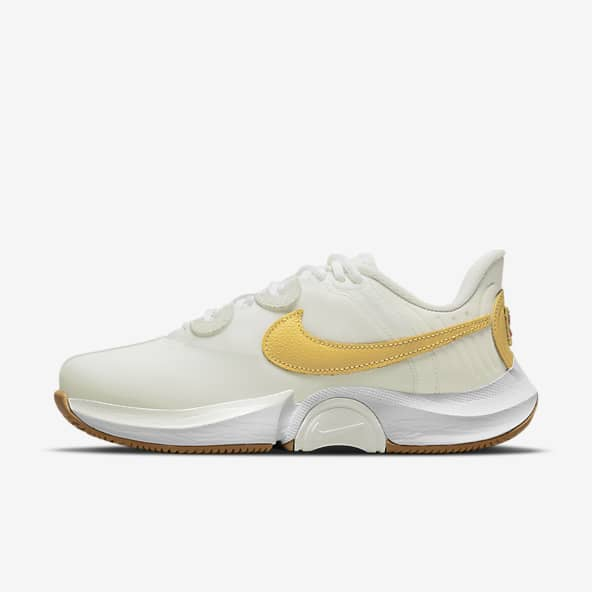 Tennis Shoes. Nike SE