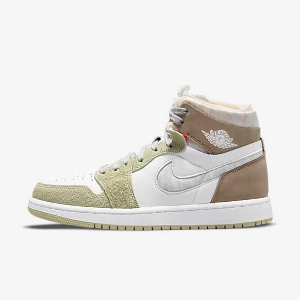 Femmes Jordan 1 Chaussures. Nike LU