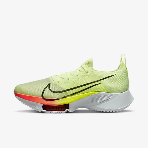 Jaune Chaussures. Nike CA