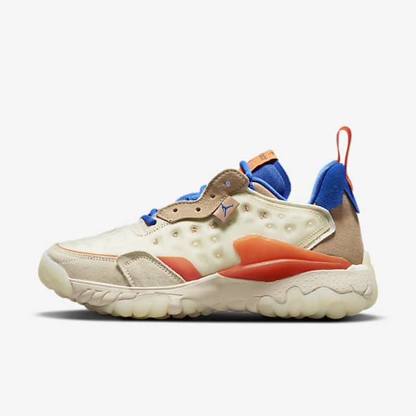 Femmes Jordan Blanc Chaussures. Nike LU