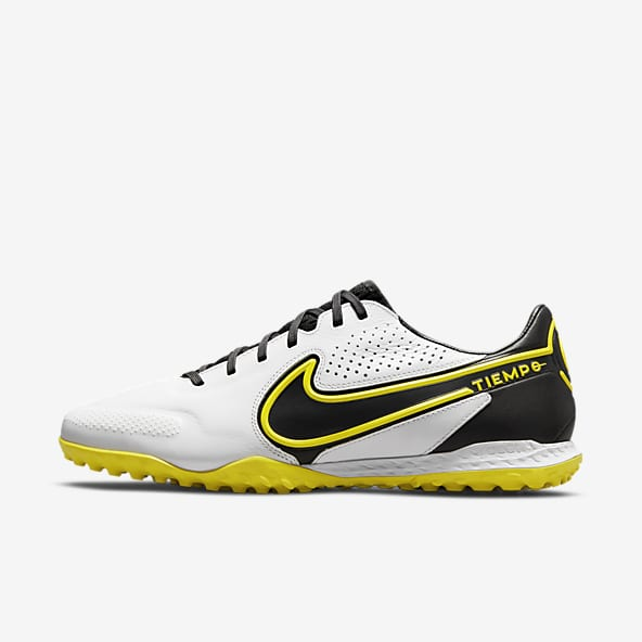 Hommes Surface synthétique Football Chaussures. Nike CH