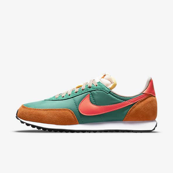 Hommes Vert Chaussures. Nike LU