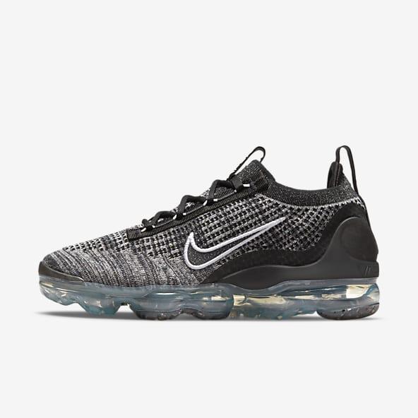 Black VaporMax Shoes. Nike.com