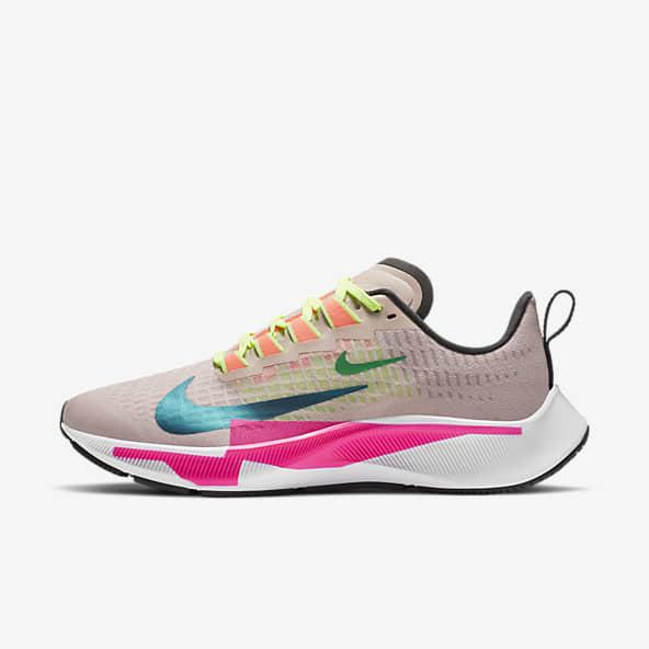 Women's Walking Shoes. Nike GB