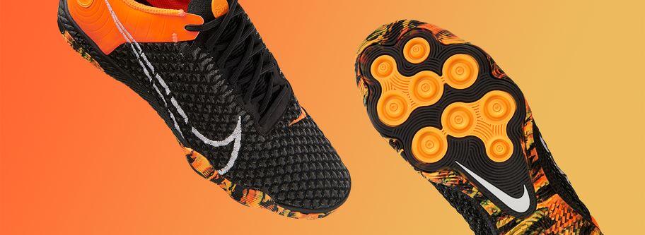 Nike Football. Nike PT