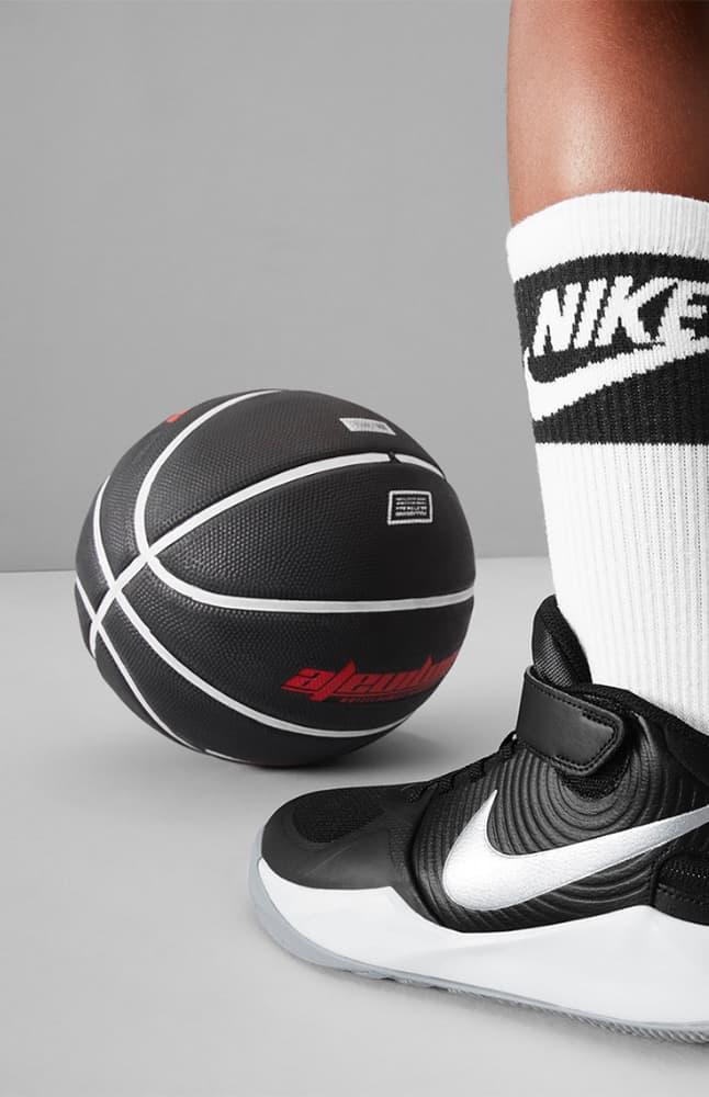 Nike FlyEase. Nike CA