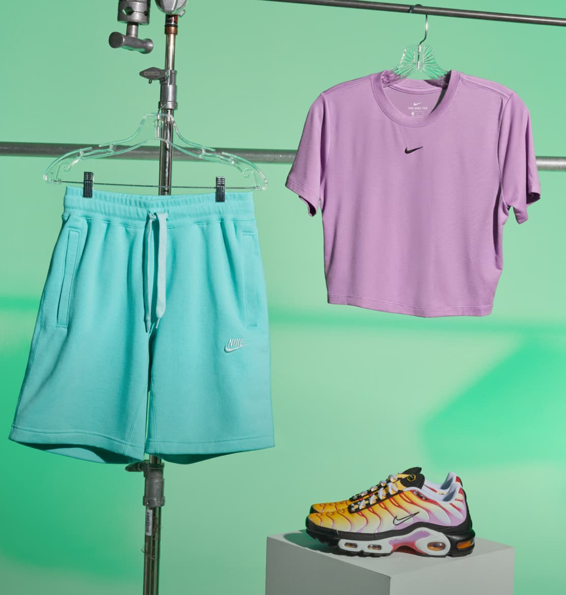 Women's Shoes, Clothing & Accessories. Nike.com