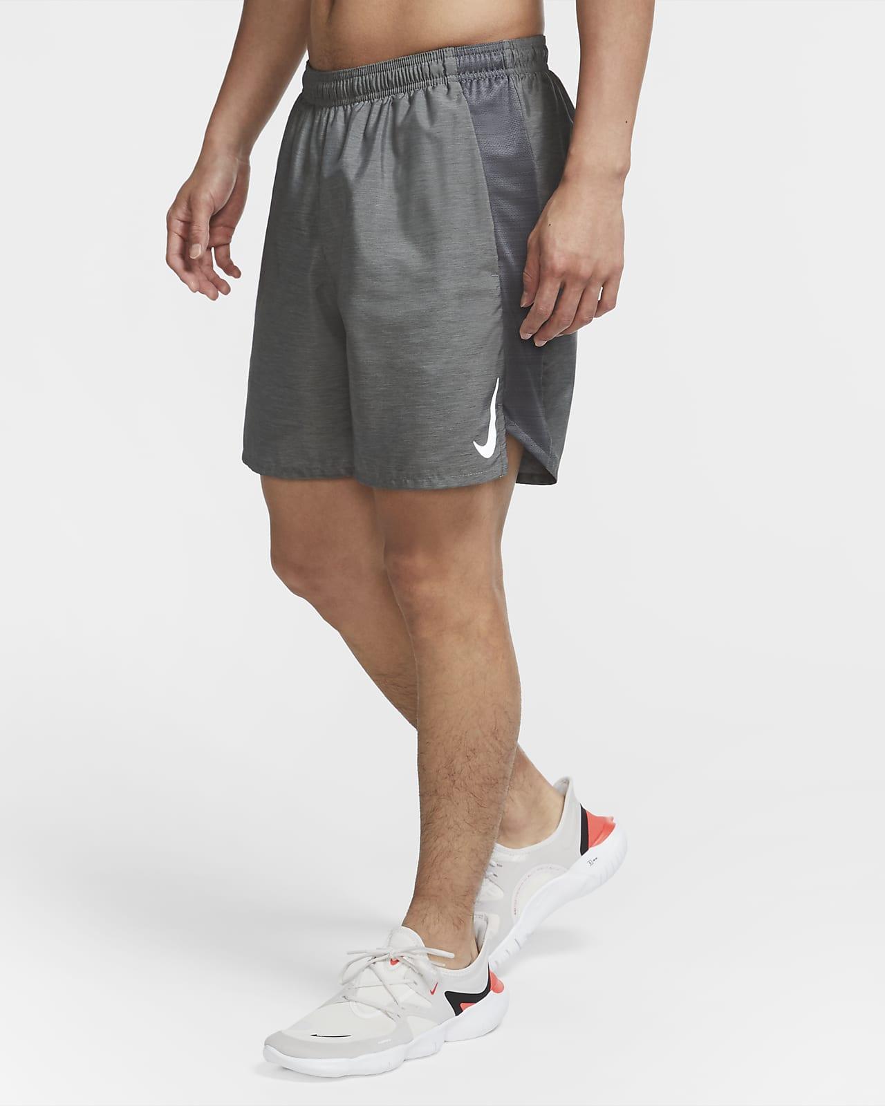 Nike Challenger fôret løpeshorts til herre (18 cm)