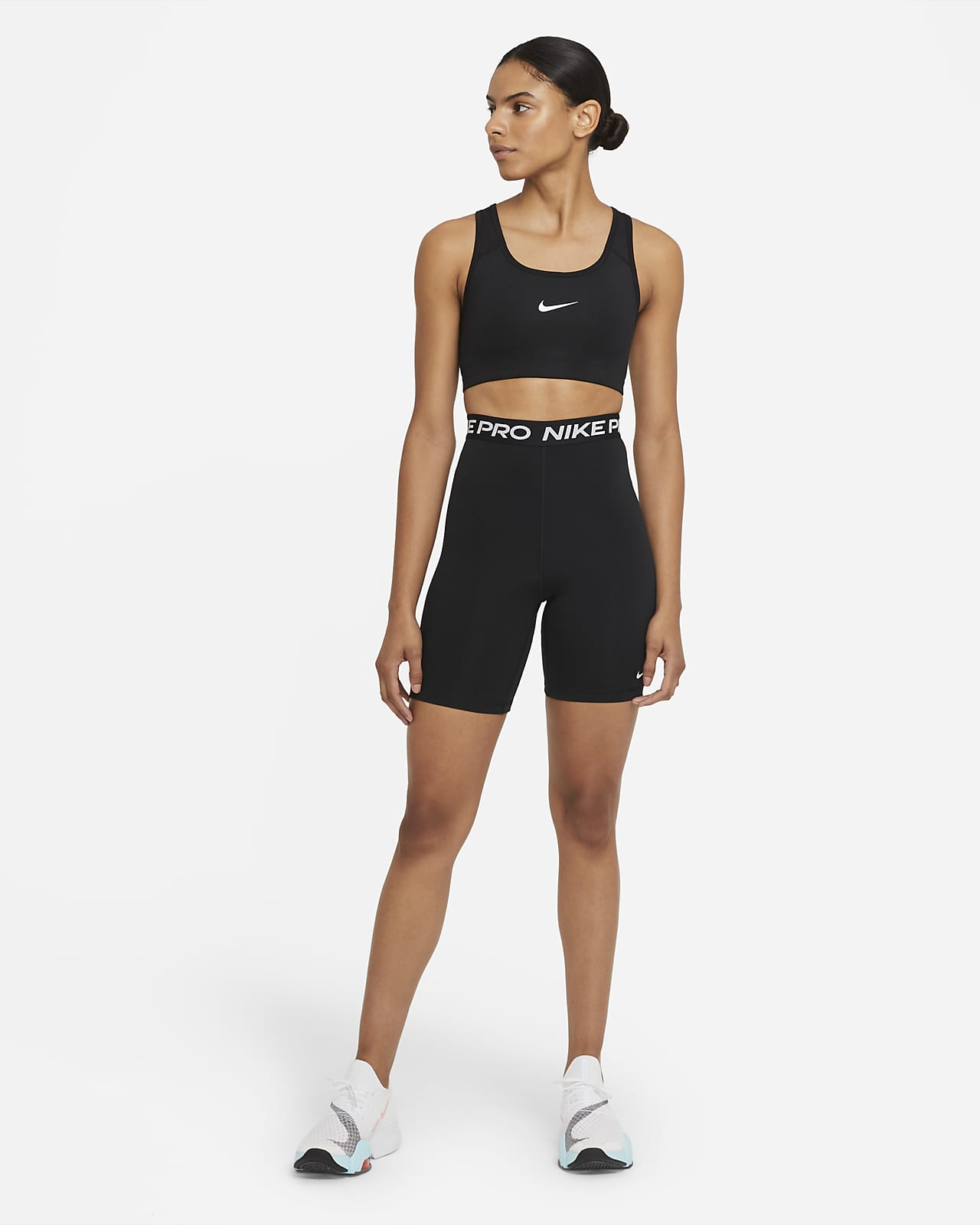 pobreza sufrimiento Dentro  Nike Pro 365 Women's High-Rise 18cm (approx.) Shorts. Nike GB