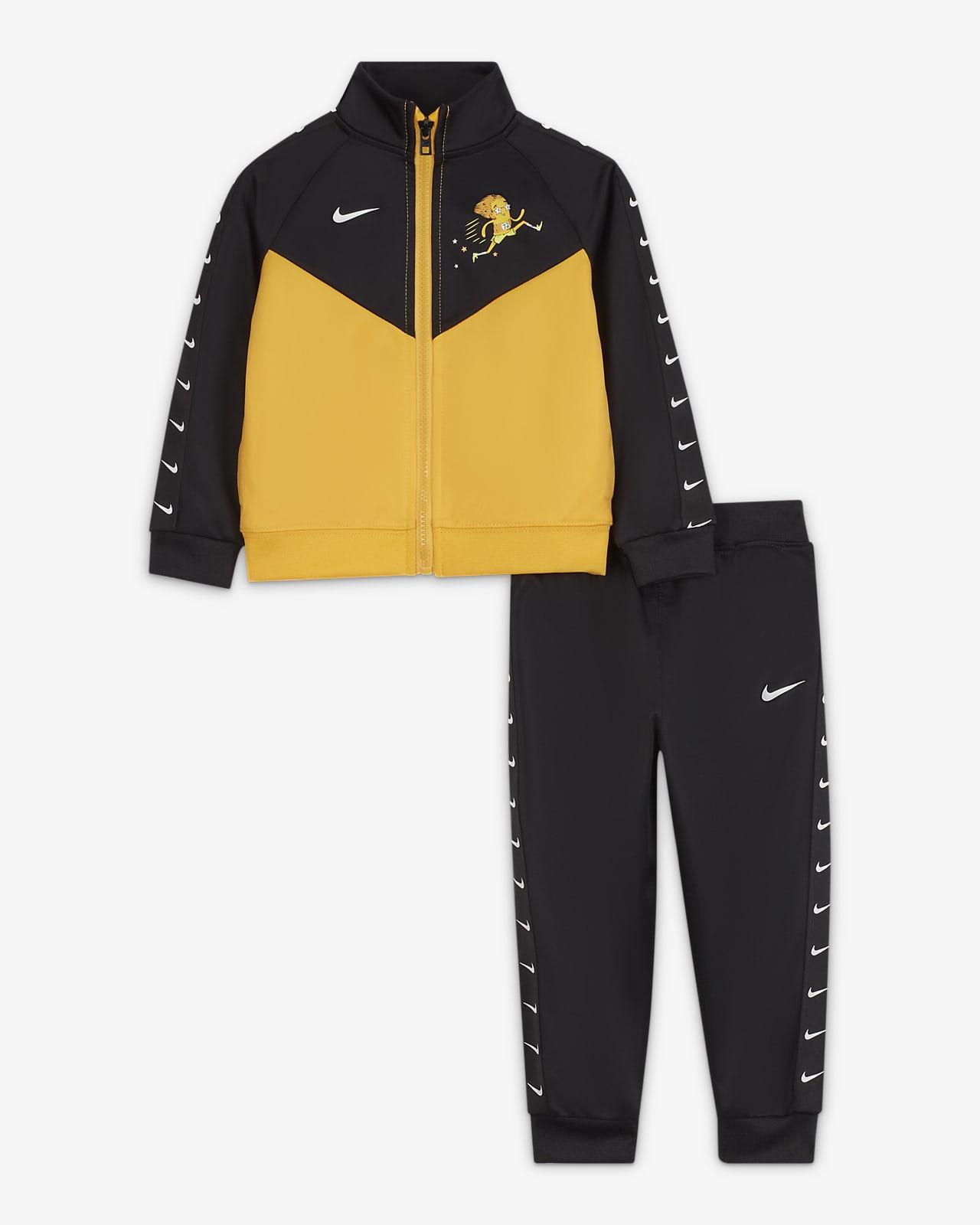Nike tréningruha babáknak (12-24 hónapos)