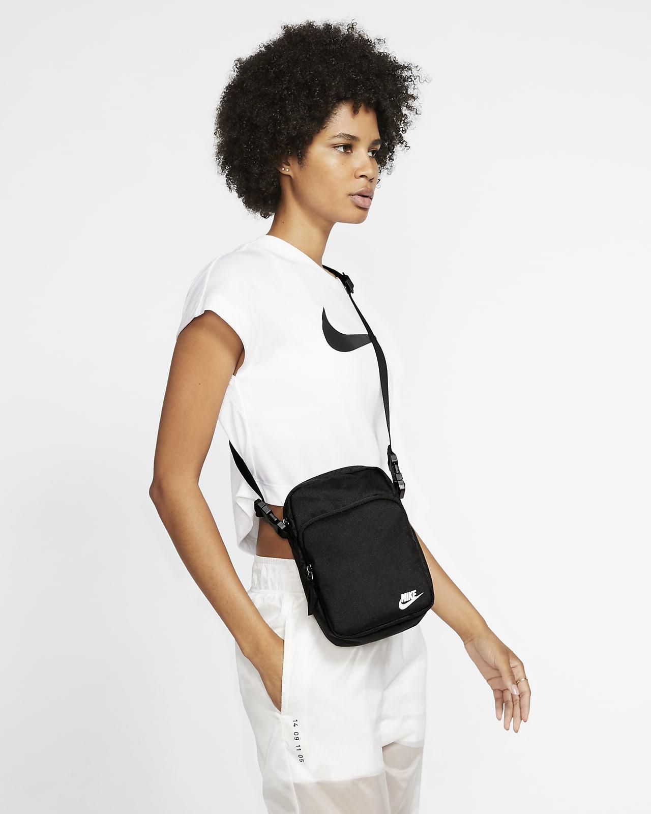 Nike Heritage 2.0Crossbody 单肩包