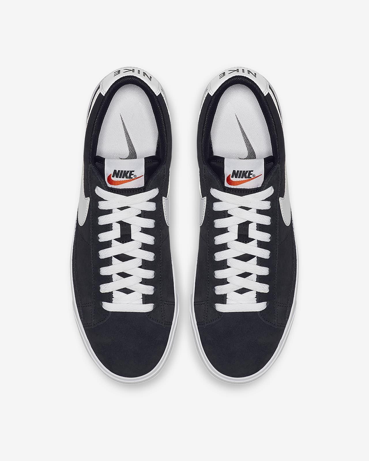 Chaussure Nike Blazer Low Premium Vintage Suede pour Homme. Nike LU
