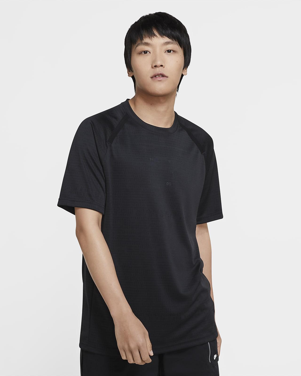 Nike Sportswear Tech Pack 男款 Engineered 短袖上衣