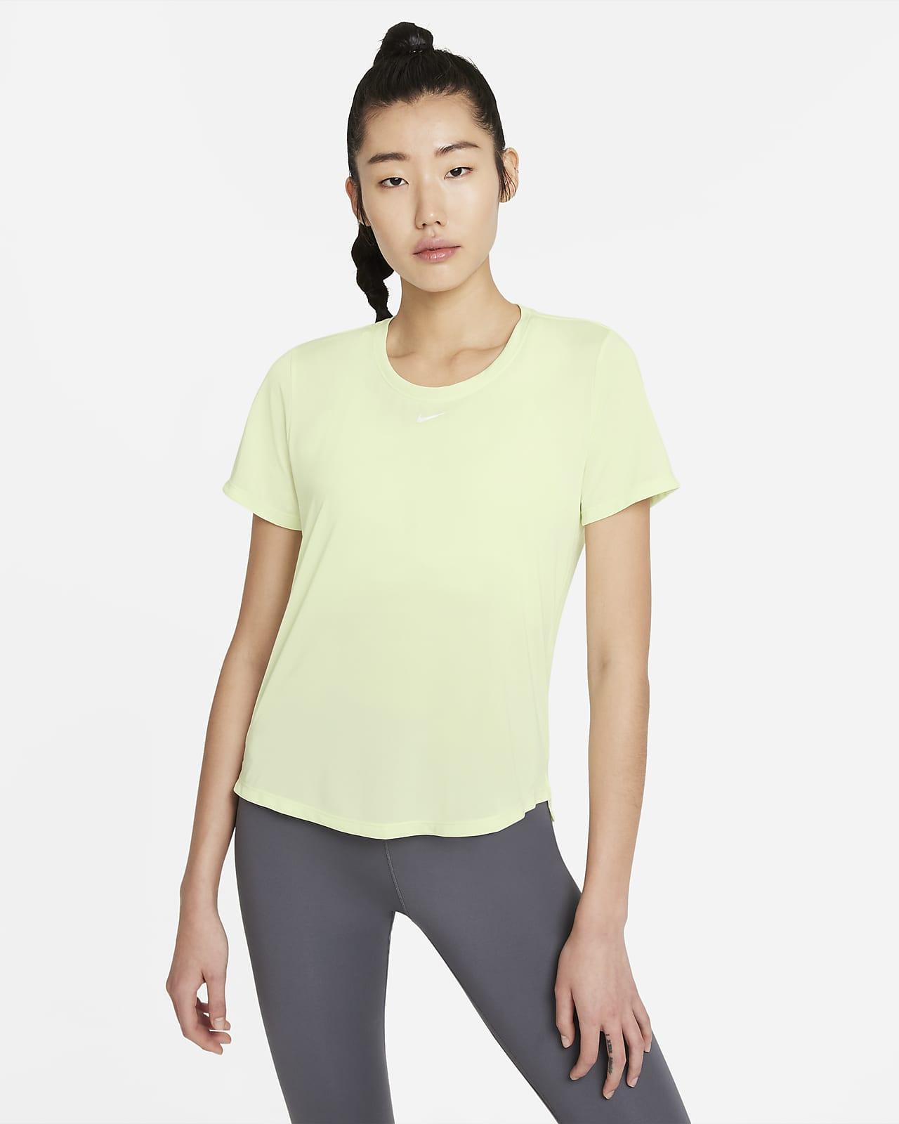 เสื้อยืดแขนสั้นทรงมาตรฐานผู้หญิง Nike Dri-FIT One