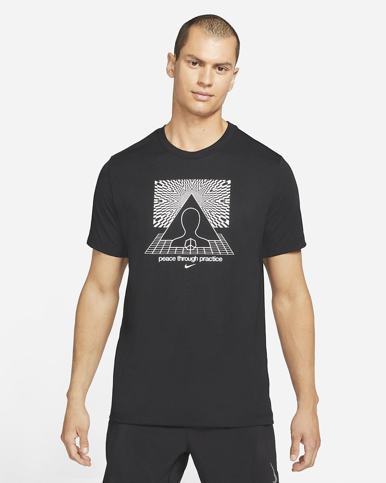 Mönstrad t-shirt Nike Yoga Dri-FIT för män