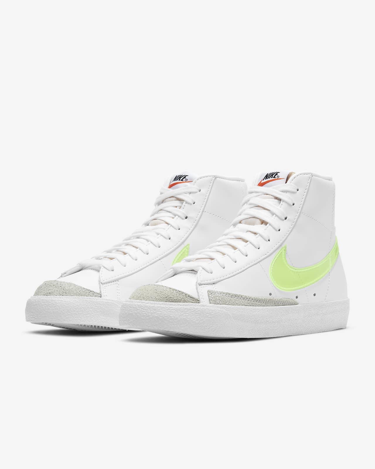 Chaussure Nike Blazer Mid '77 Essential pour Femme. Nike LU