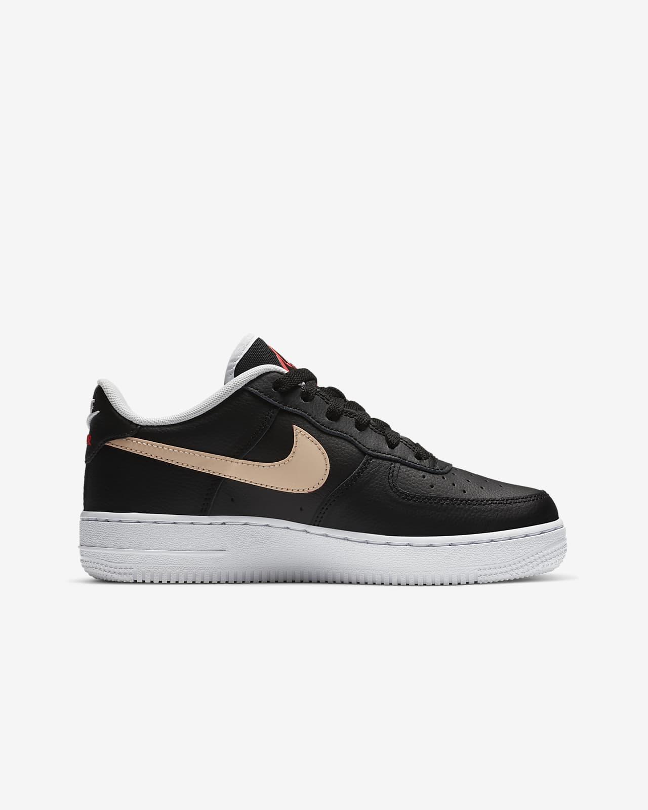 Nike Air Force 1 sko til store barn. Nike NO