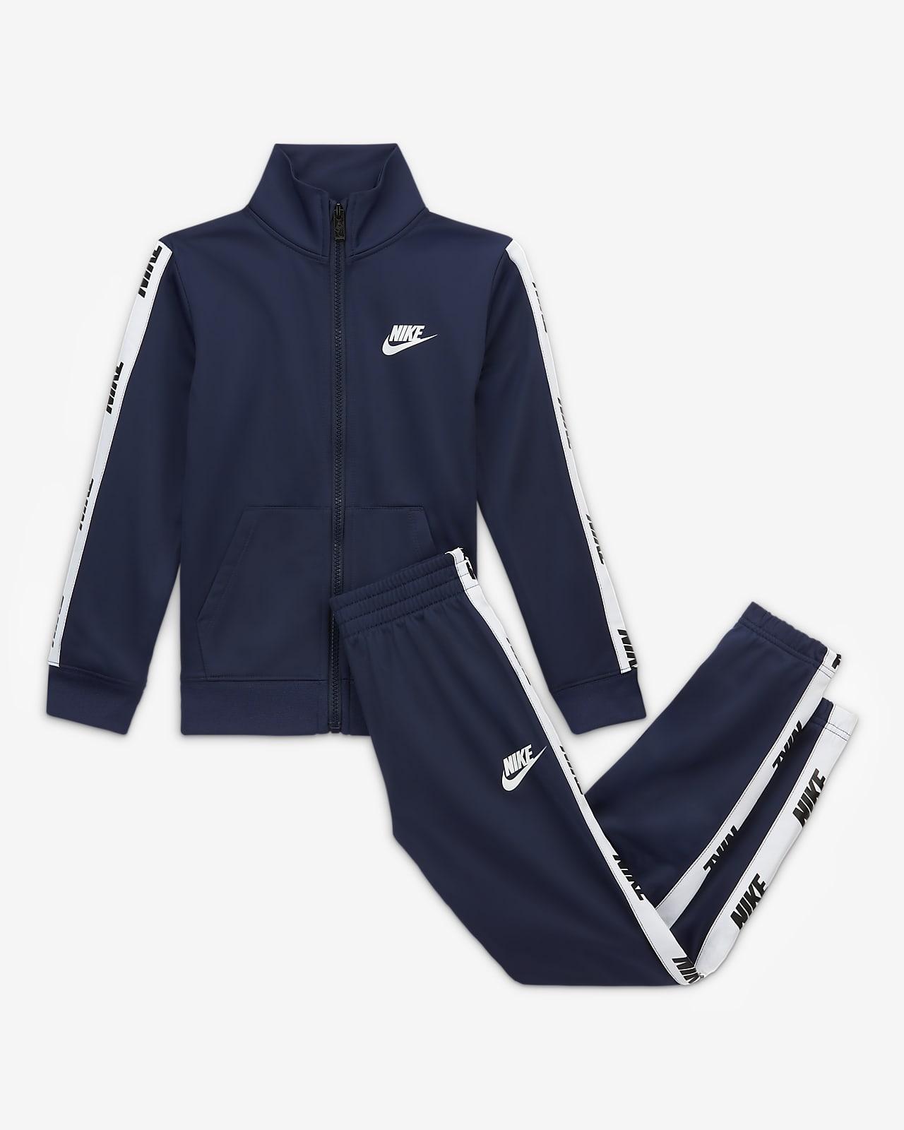 Conjunto de entrenamiento para niños talla pequeña Nike Sportswear
