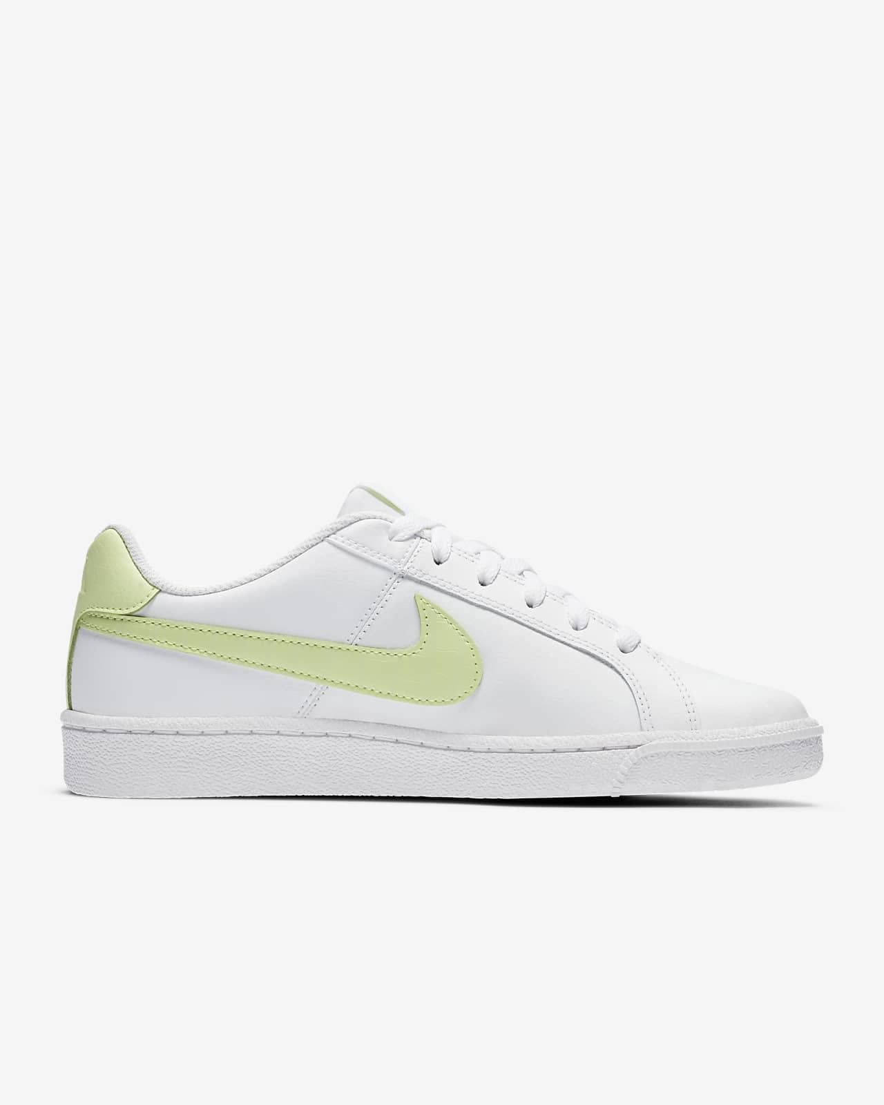 NikeCourt Royale Women's Shoe. Nike SG