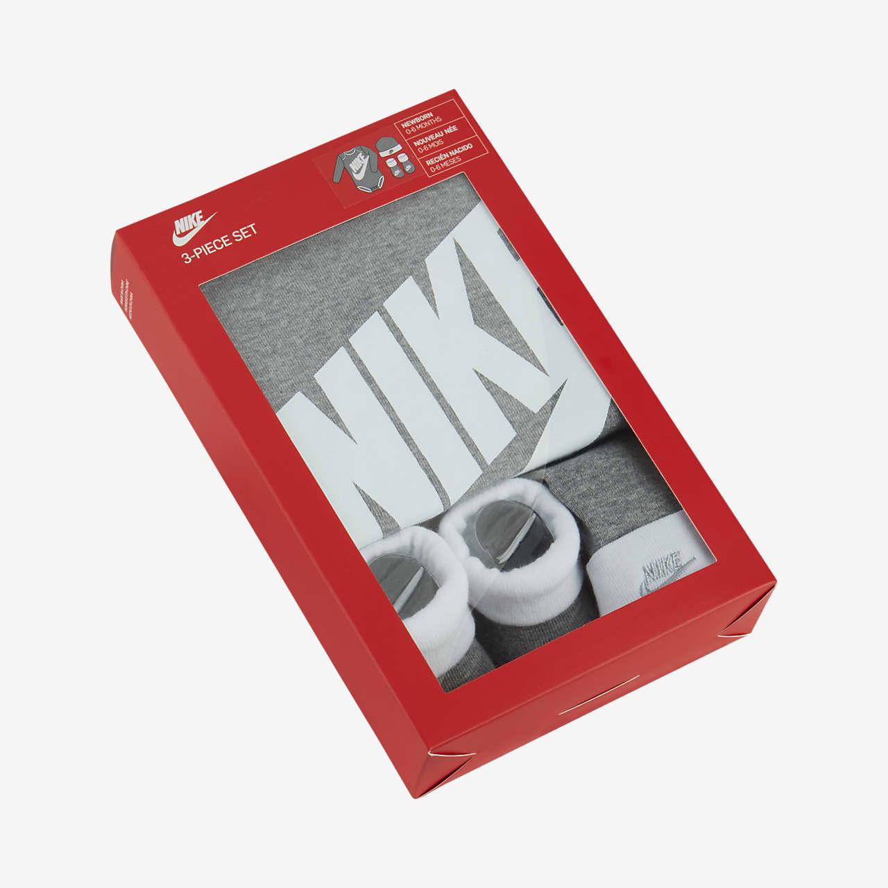 Nike Babyset met rompertje, muts en booties