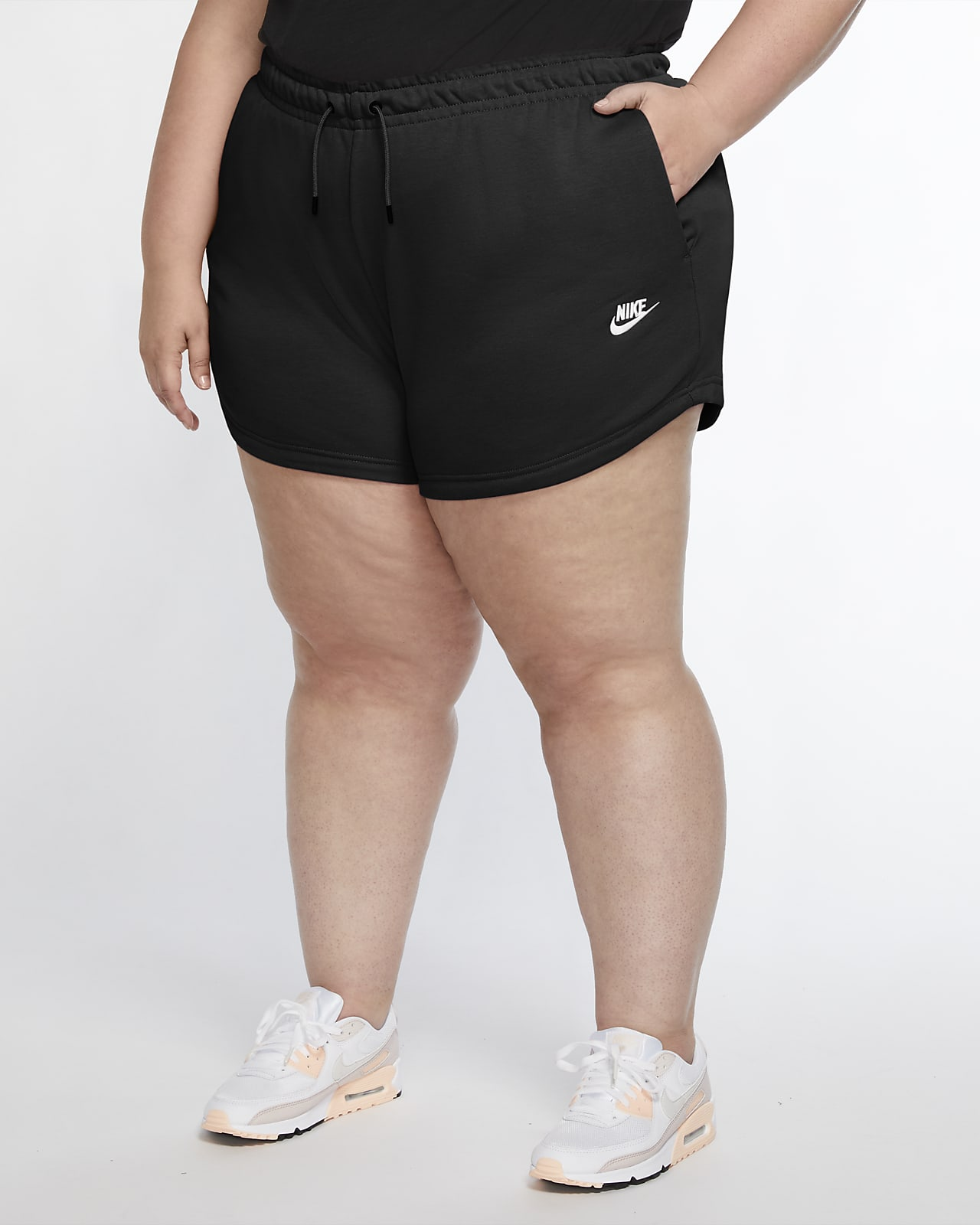 Short Nike Sportswear pour Femme (grande taille) mannequin grande taille Nike