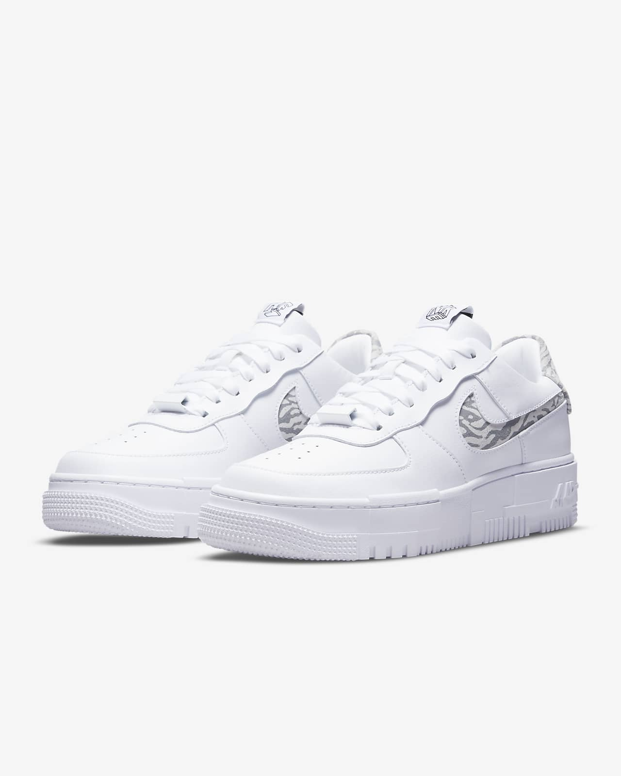 Chaussures Nike Air Force 1 Pixel SE pour Femme. Nike LU