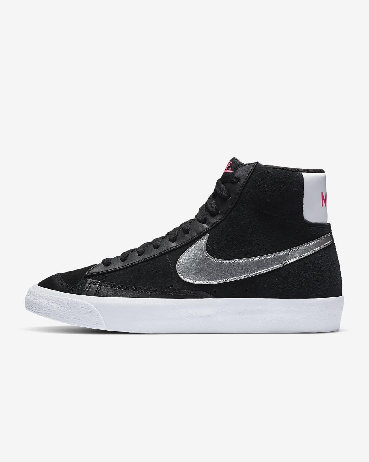chaussure nike blazer gris et blanc