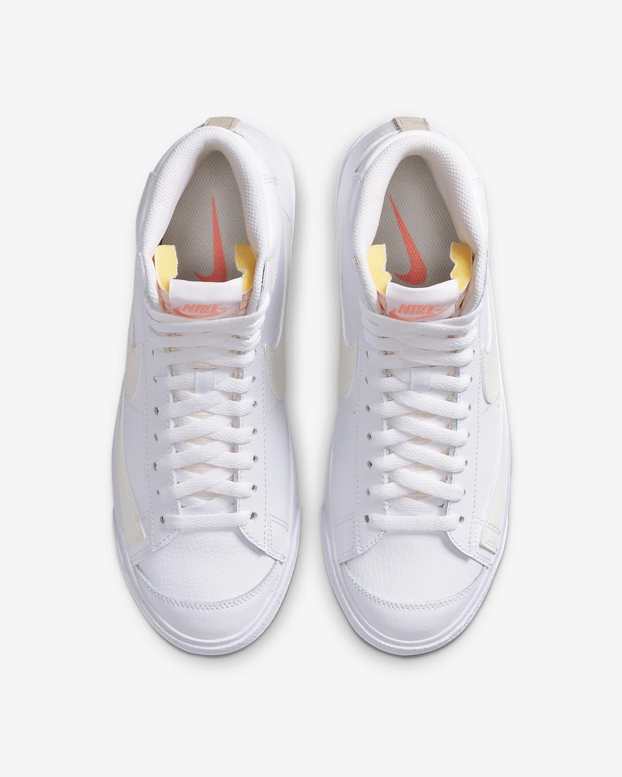 Oxidado comunicación limpiar  Nike Blazer Mid Vintage '77 Women's Shoe. Nike CA