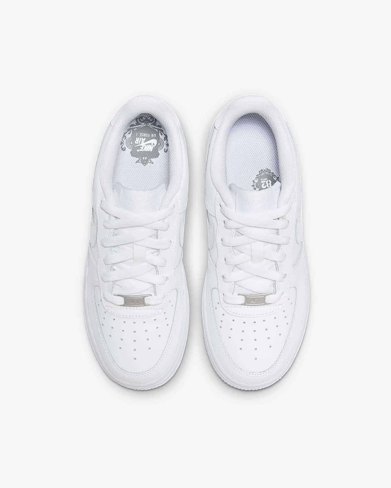 Nike Air Force 1 LE Older Kids' Shoe. Nike GB