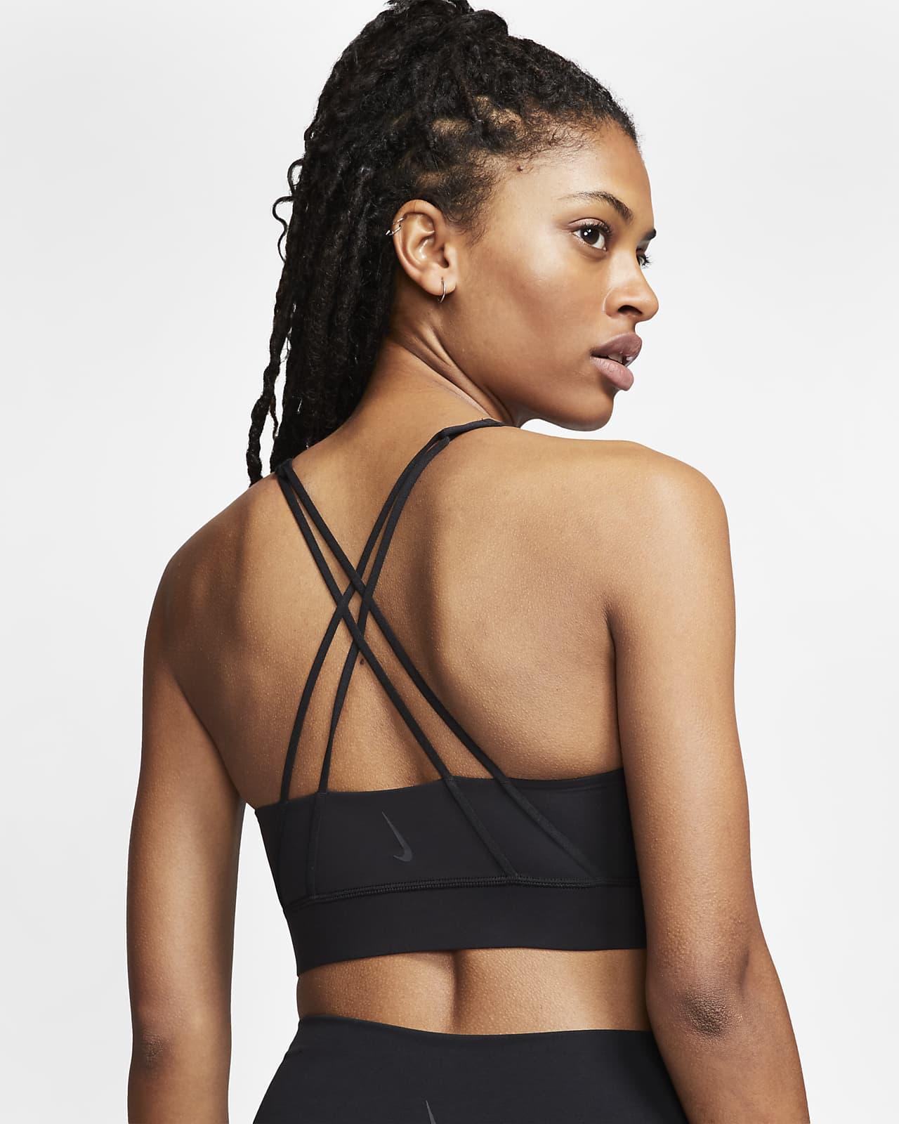Sujetador deportivo de línea larga con almohadilla de sujeción media para mujer Nike Swoosh Luxe