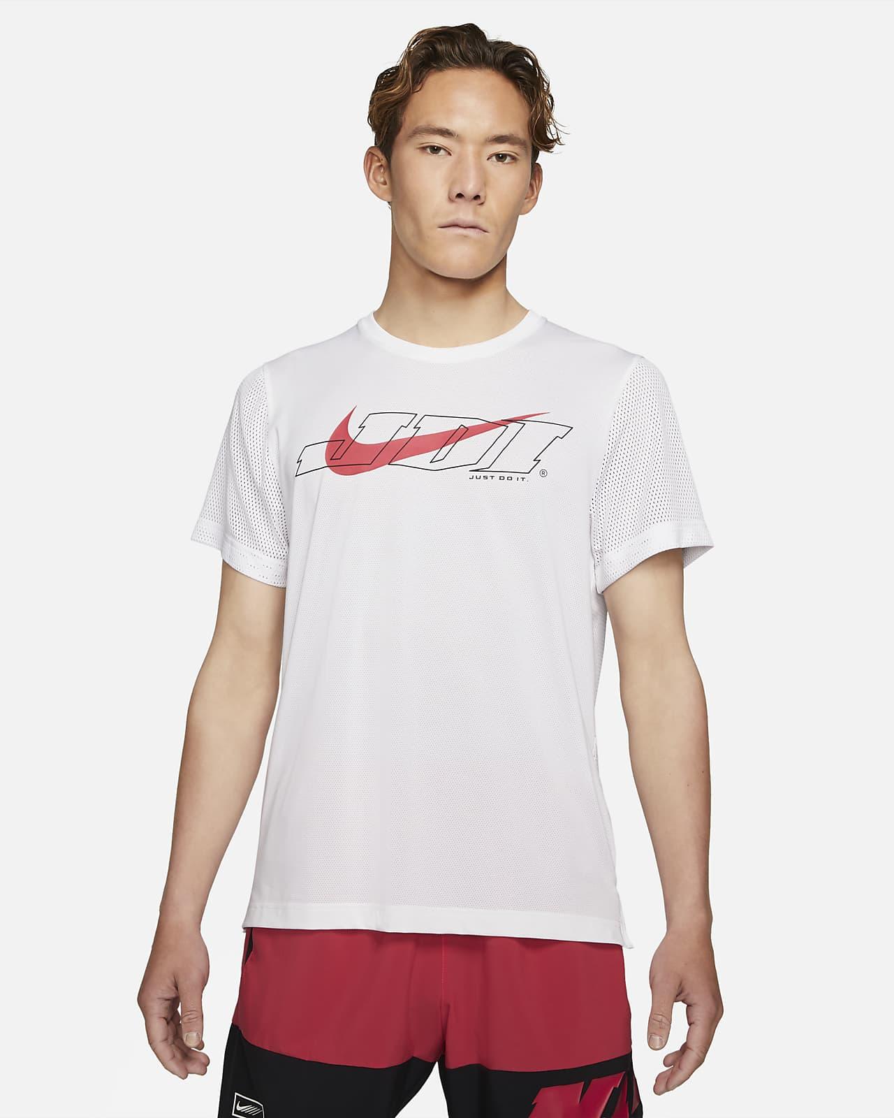 เสื้อเทรนนิ่งแขนสั้นผู้ชาย Nike Sport Clash