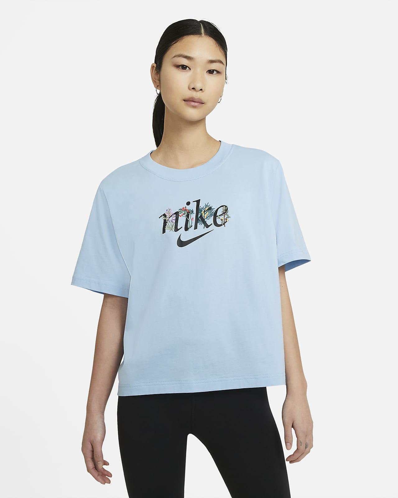 เสื้อยืดผู้หญิง Nike Sportswear