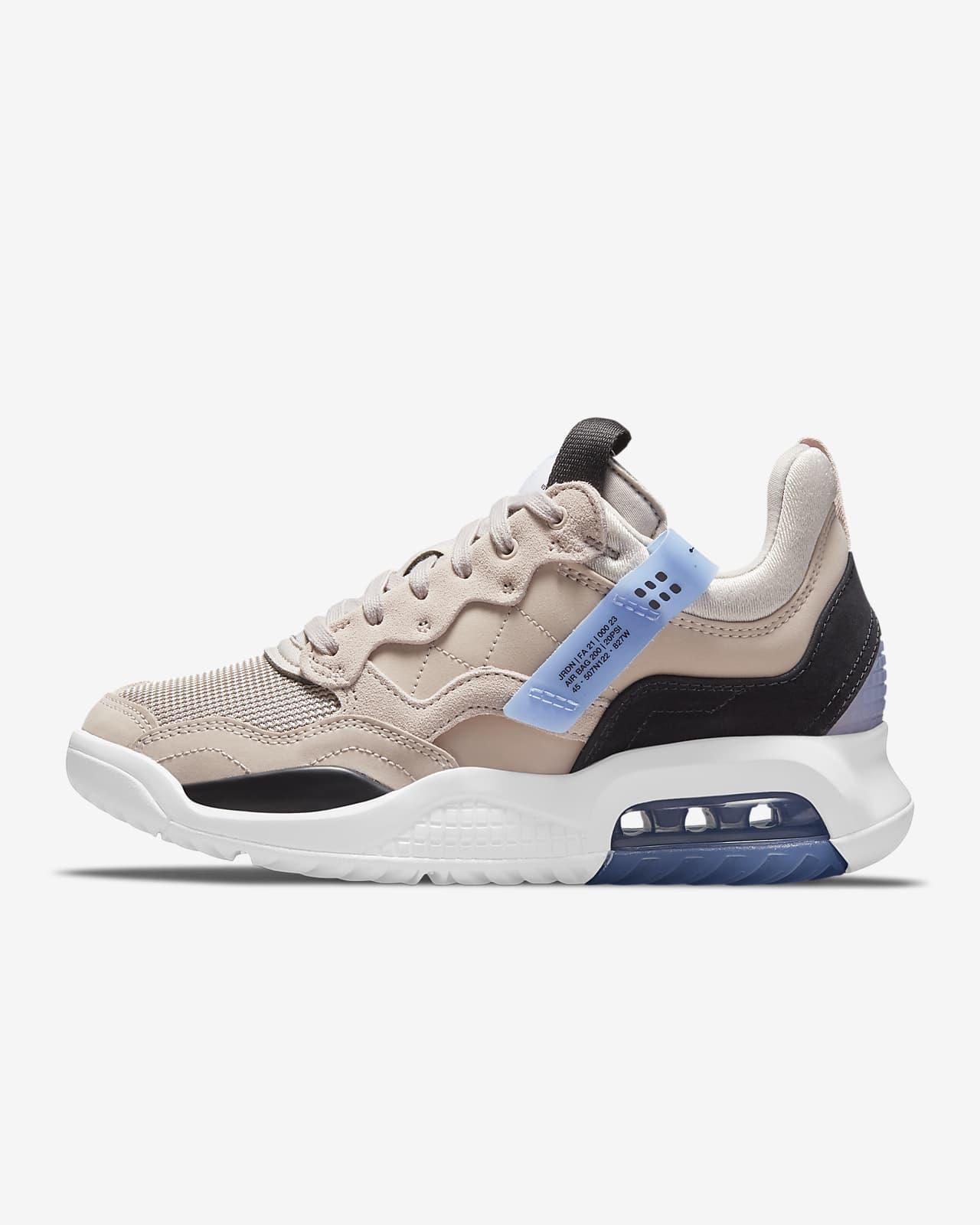 รองเท้าผู้หญิง Jordan MA2
