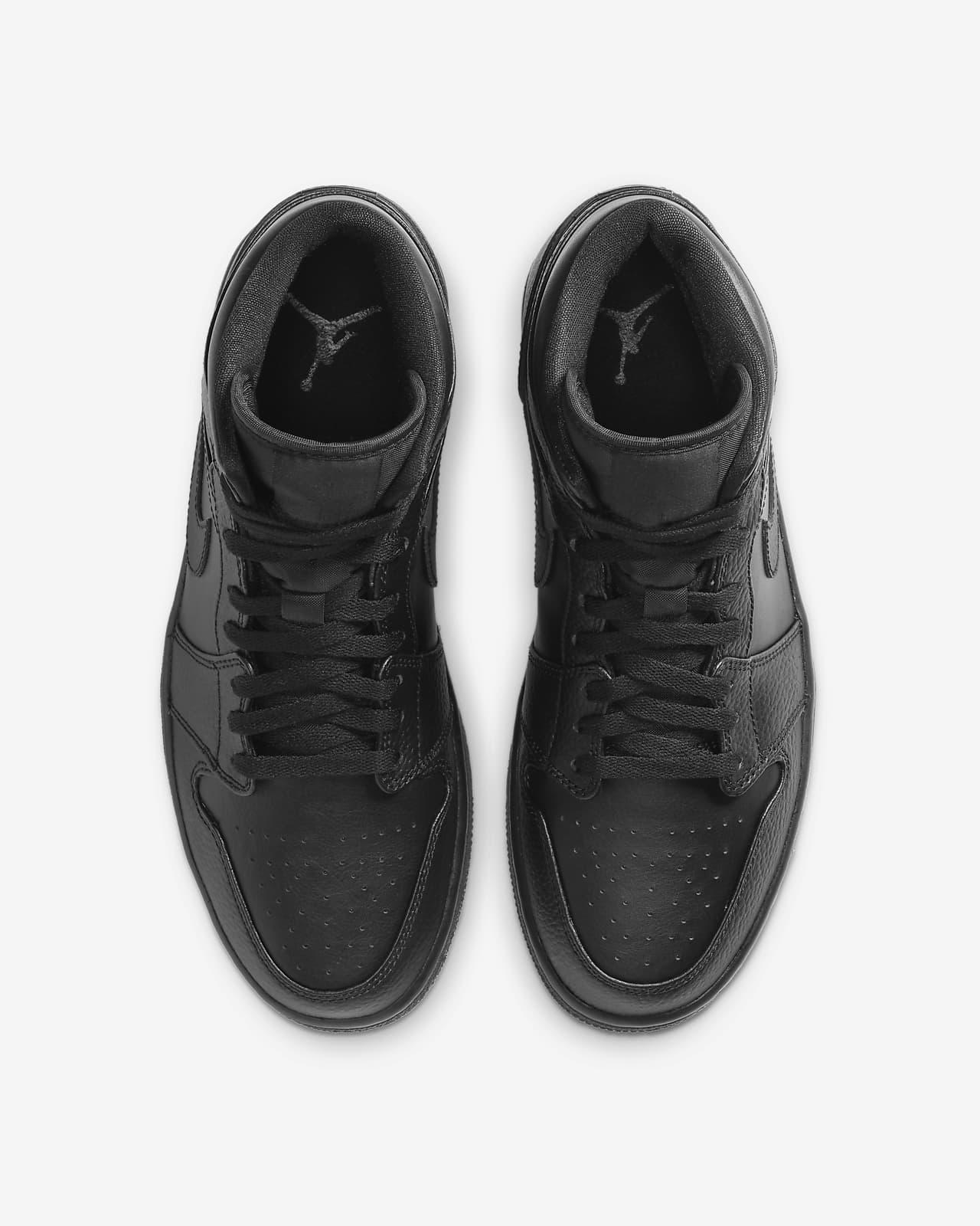 Air Jordan 1 Mid Shoe. Nike LU