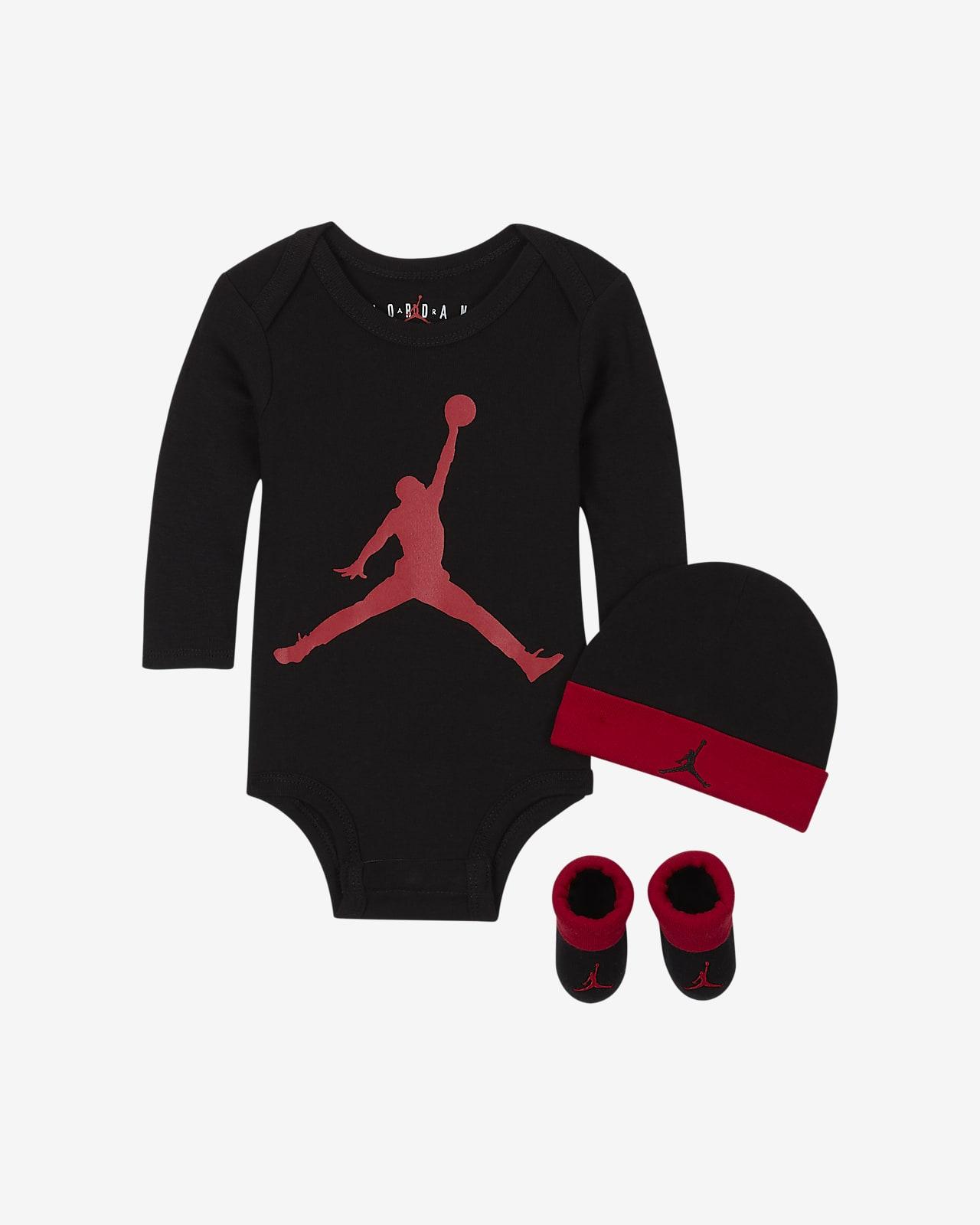 Jordan Set aus Bodysuit, Beanie und Booties für Babys