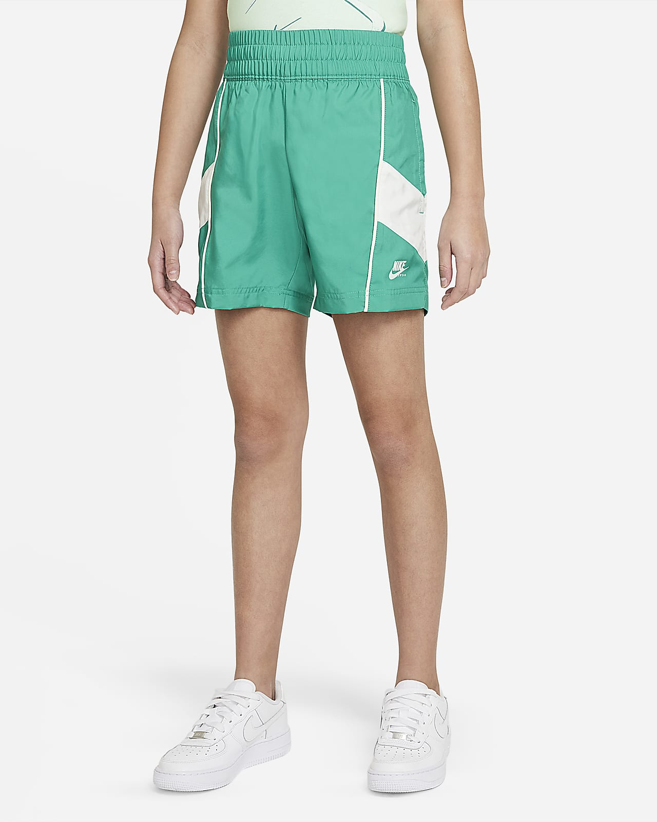 Nike Sportswear Heritage Big Kids' (Girls') Woven Shorts