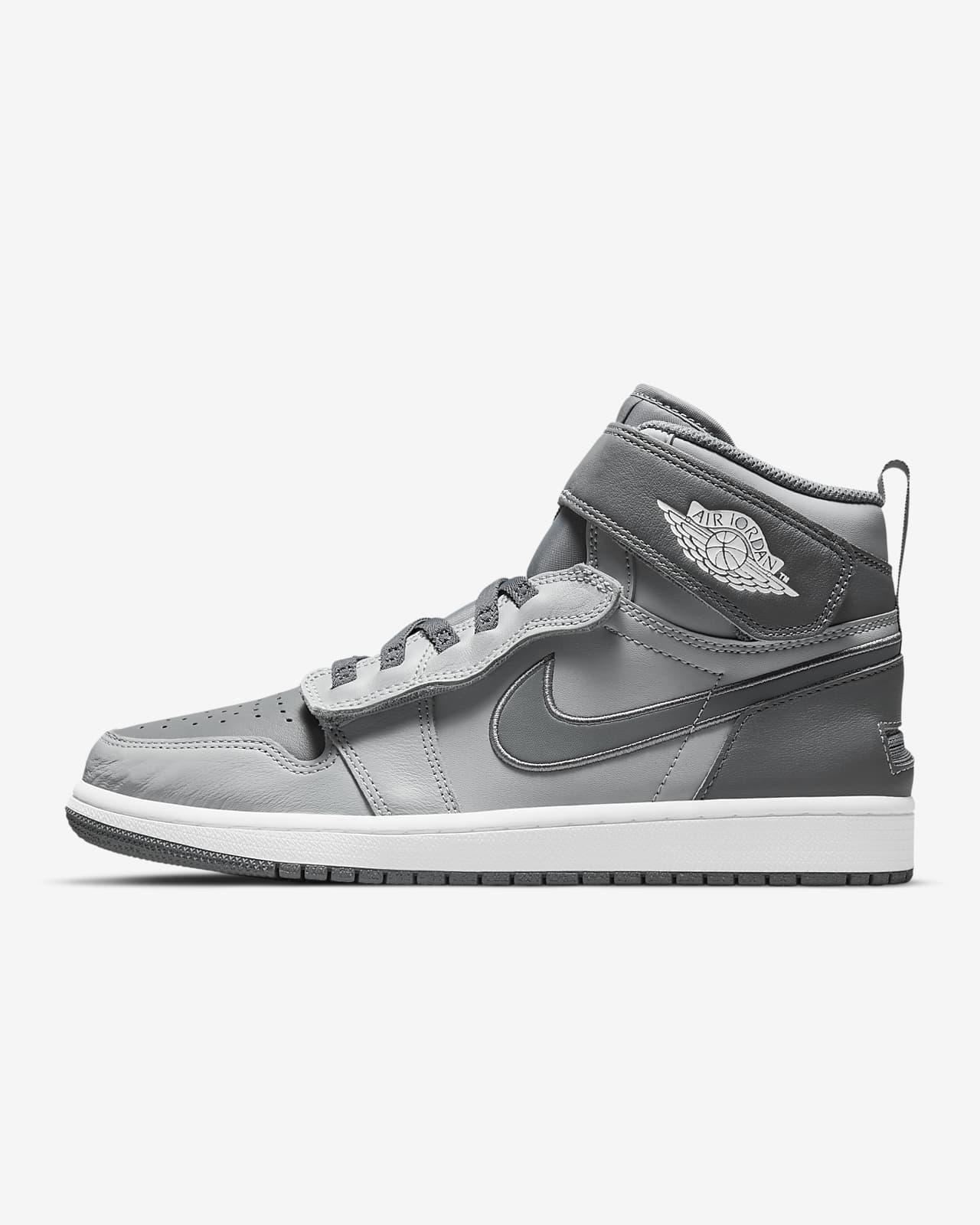 Air Jordan 1 Hi FlyEase cipő