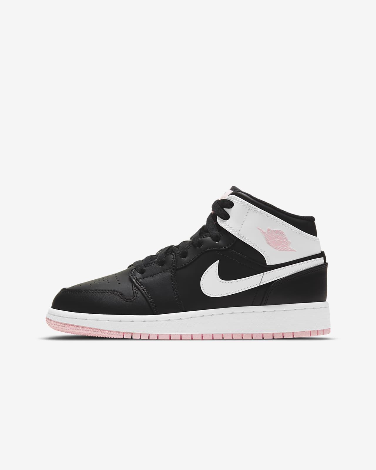 Air Jordan 1 Mid Older Kids' Shoes